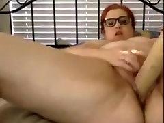 Chuby girl masturbates with baseball bat and squirting