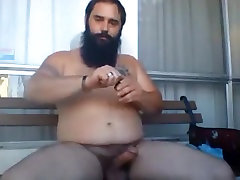Husky bear wanking with poppers