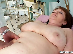 Fat Russian granny Katerina gets her wet pussy drilled with fingers