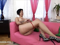 Short haired babe with 2 large dildos in HD