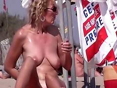 French beach and this nudist girl