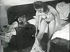 Retro Porn Archive Video: Femmes seules 1950s 15