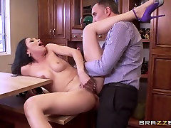 Brazzers - Vicki Chase - Real Wife Stories