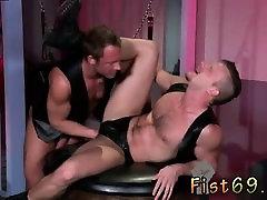 Super sexy buff men gay porn videos Brian Bonds goes to Dr.