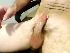 Hairy Muscle Hunk Jerking & Cumming