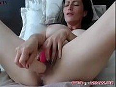 Hot girl showing fat pussy fingering live xxx webcam - watchfreewebcam.com