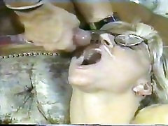 RETRO BLONDE IN GLASSES ANAL