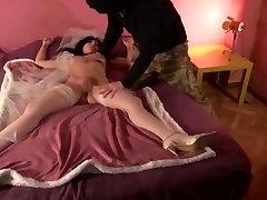 Krakenhot - Obedient bride in andrea sexmex 1 scene