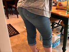 Candid Fat ass in tight jeans