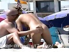 Real nudist chicks on hidden beach cam
