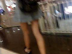Boso sa Escalator - Very Pretty, HOT, SEXY GIRL!!
