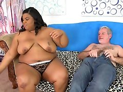 Chubby black girl Peaches love takes big white dick