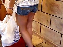 sexy hot francas de menina em calças jeans e shorts