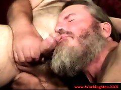 Gaystraight hairy bear sucking hard cock