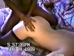 hot arshi khan home video of Cuckold MILF fucked by black guy