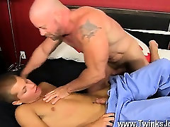 Hardcore gay Muscled hunks like Casey Williams enjoy to get