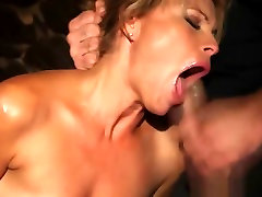 Beauty gets fucked real rough in xx thailan porn