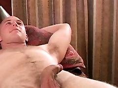 Straight amateur enjoys gay handjob