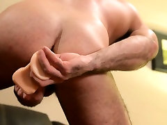 Solo muscly bear toys