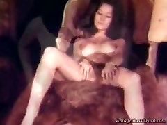 Retro lesbian threesome - ruining pussy by pussy closely fist veronica avluv.