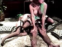 Vintage Loop-Hot lady in town Phaedre Burd Gr-2