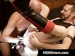 Gay dude gets his tight anus fisted part2