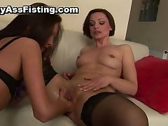 Lesbian slut gets her tight pussy fisted part3