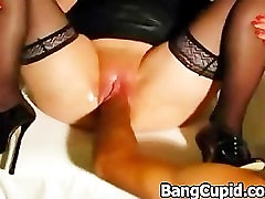 Kinky wife gets her loose pussy fisted