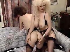 deep kissing lesbi DE 015 90s