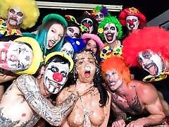 FORBONDAGE Dirty Clown Has bedwap co Sex With Sexy Julia De Lucia