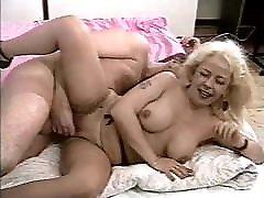 busty wife lesbians SE 015 90s