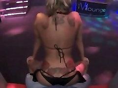 Blonde Stripper Ass Risting og Gyrating