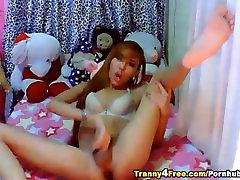 Nice Ass Tranny Masturbating her Dick