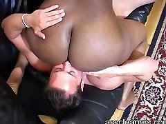 EATING THICK EBONY ASS