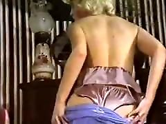 URGENT! - vintage 80&039;s big tits striptease dance