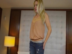 Blonde teen cock sucker shows oral skills
