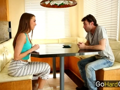 Babysitter Riley Reid Give Pussy in Kitchen
