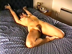 Yvonnes hairy pussy