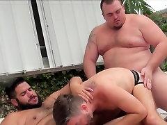 Superchub bear barebacks outdoors before cum