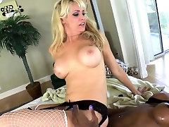 Black lesbian tgirl drops milky cum load