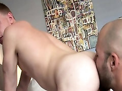 Gay escort jizzes on bear