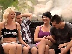 Massive hot lesbians orgy in a bath tub
