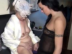 Grandma lezzie straponed