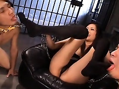 Yui Komine sucks hard penis