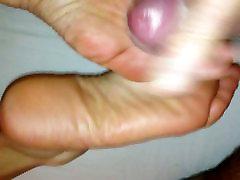 Cum on mature soles of my wife 2