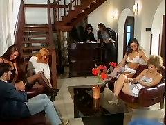 toung sister spy Italian Porn