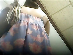 upskirt 11 - chick in spring dress no panties