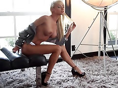 Beautiful Blonde Sara Underwood Sexy Nude Photoshoot 3